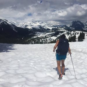 Hiking at Elfin Lakes